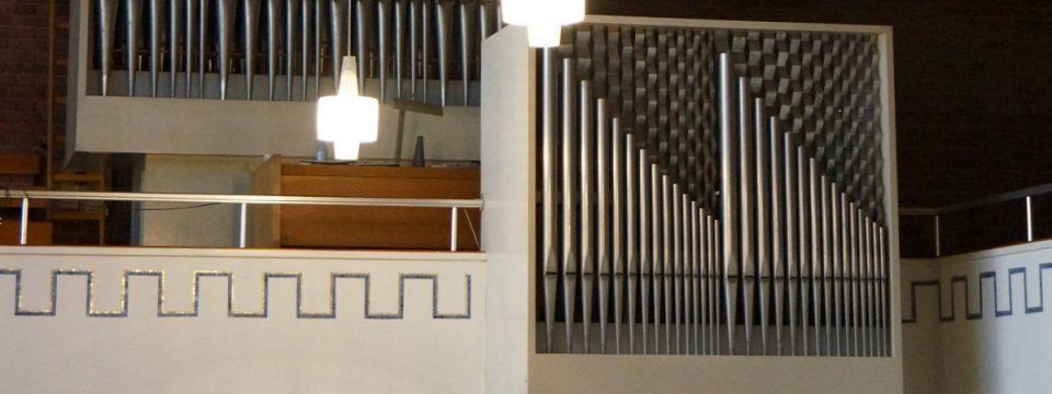 Lukaskirche Bonn: Orgel (Rückpositiv und Empore)